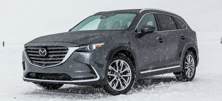 2018 Mazda CX-9 gray in snow side view