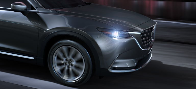 2019 Mazda CX-9 Signature with grille lighting gray side view