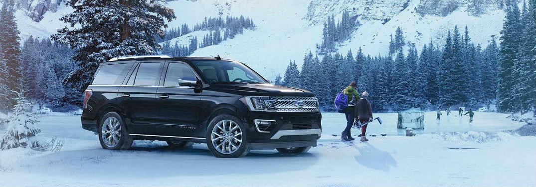 2018-Ford-Expedition-parked-in-front-of-hockey-rink-where-kids-are-playing