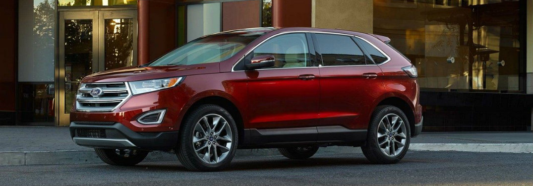 Red-2018-Ford-Edge-parked-in-front-of-building