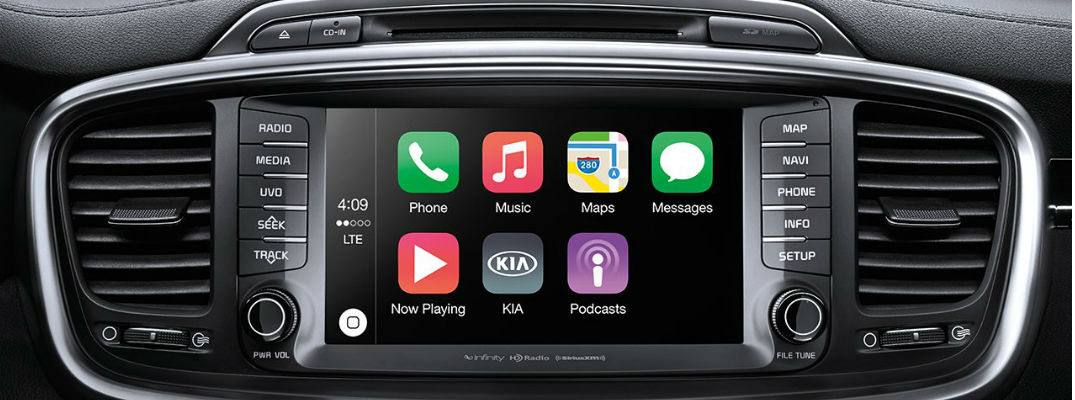 2017 Kia Sorento Kia UVO Touchscreen with Apple CarPlay Apps
