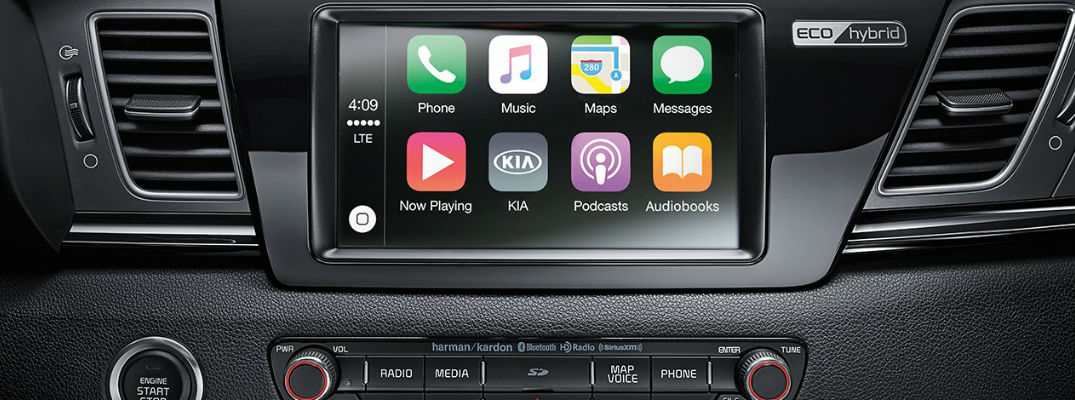 2017 Kia Niro with Kia UVO Touchscreen and Apple CarPlay Apps