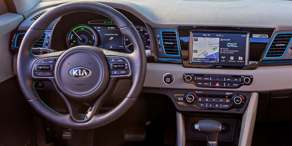 2018 Kia Niro Plug-In Hybrid Steering Wheel and Dash with Kia UVO Touchscreen Display