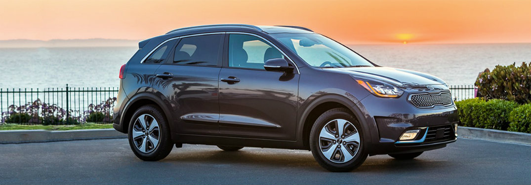 What are the 2018 Kia Niro trim levels and starting prices?