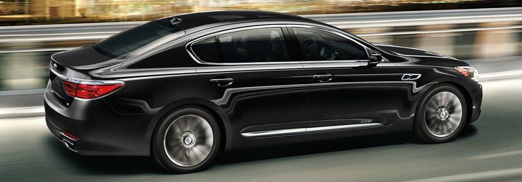 2018 Kia K900 black side view