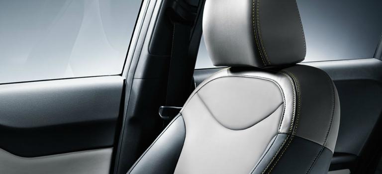 2018 Kia Soul two-tone gray leather seat