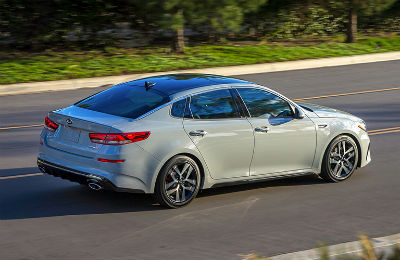 2019 Kia Optima exterior back fascia and passenger side