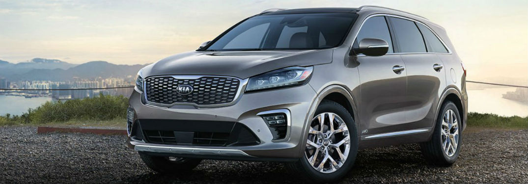 2019 Kia Sorento exterior front and drivers side