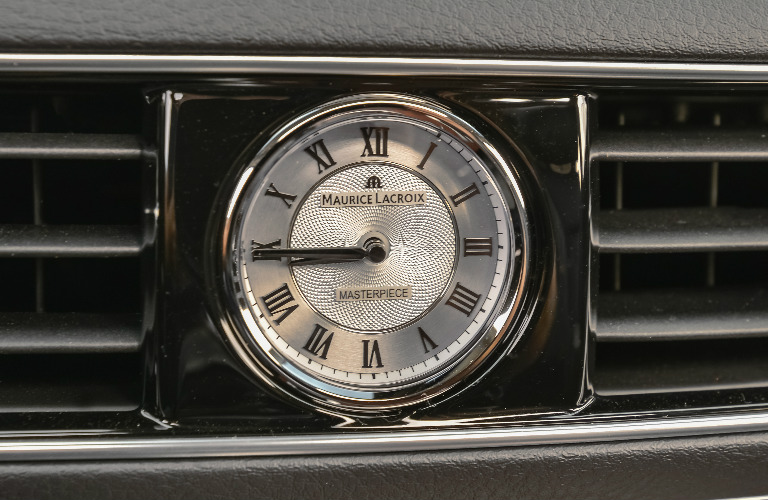 2019 Kia K900 dashboard clock