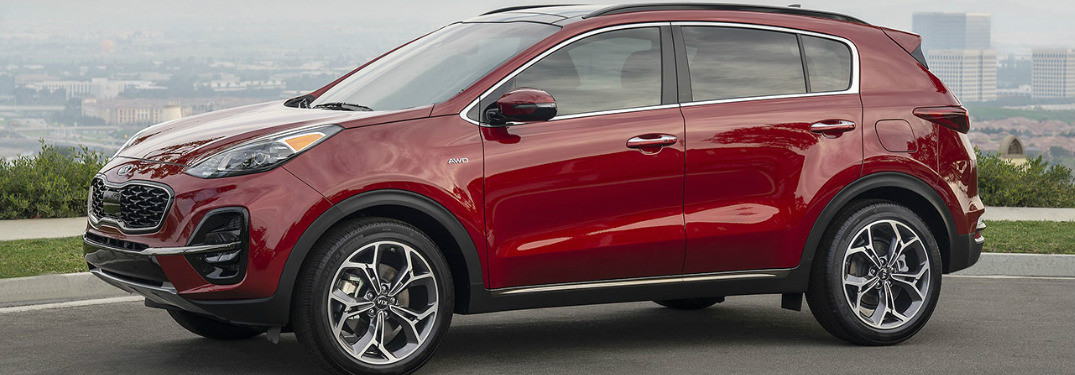 What features come standard in the 2020 Sportage S configuration?