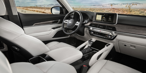 Front seats and cockpit of 2020 Kia Telluride