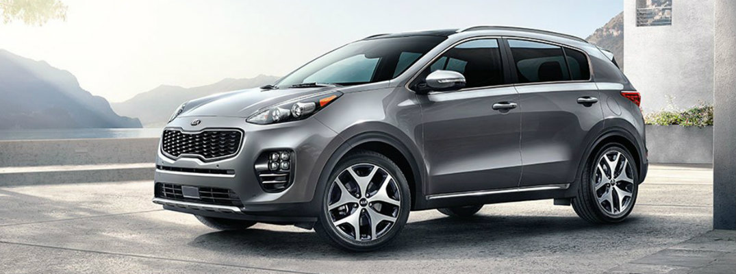Front/side profile of silver-colored 2019 Kia Sportage