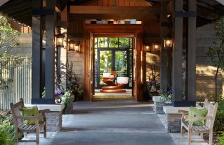 Front view of the Lodge at Woodloch