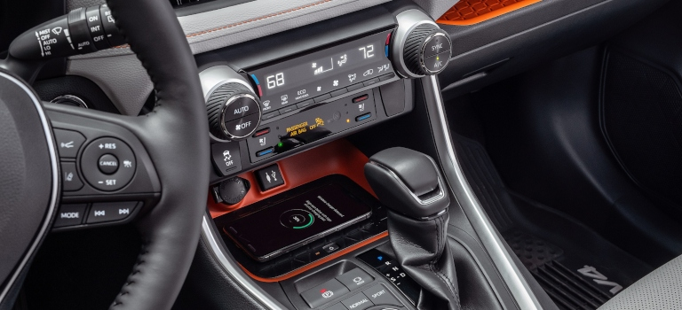 Does the 2019 Toyota RAV4 have a CD player?
