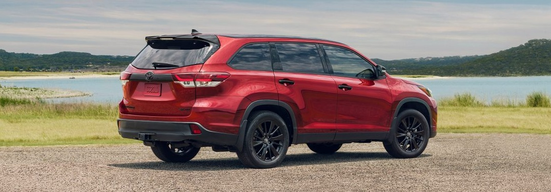 2019 Toyota Highlander red back view