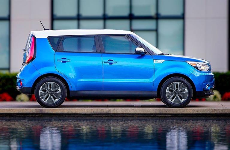 Side profile of a blue/white 2018 Kia Soul EV