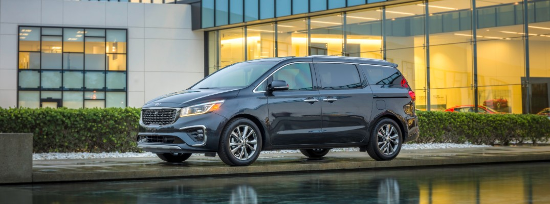 How Does the 2020 Kia Sedona's Cargo Space Compare to its Rivals?
