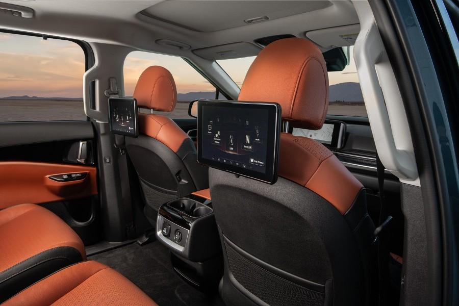 2022 Kia Carnival Interior Cabin Rear Seat Entertainment System