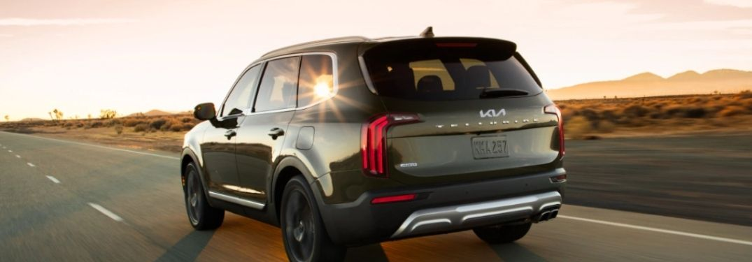 back view of the 2022 Kia Telluride riding on the road in dusk