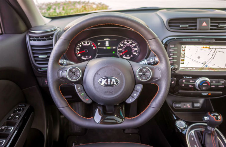 What kind of engine does the 2017 Kia Soul have?