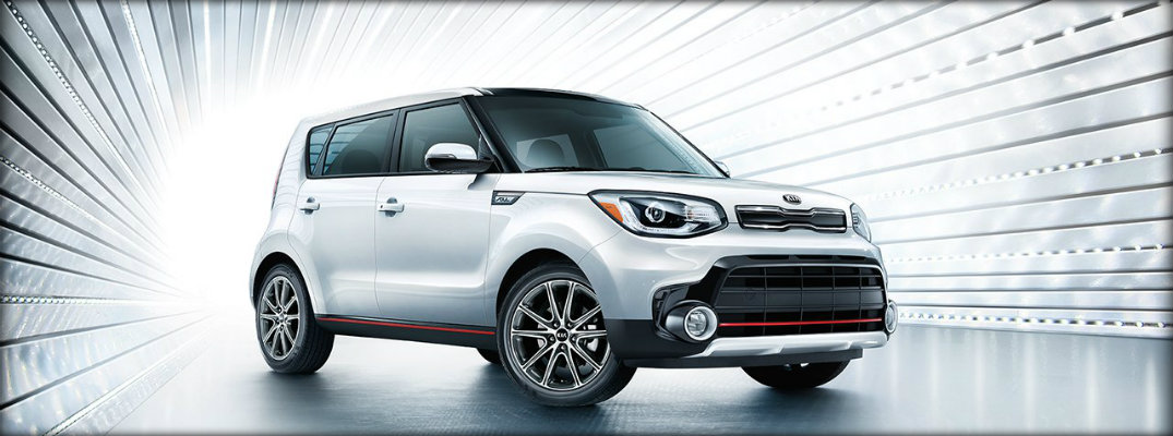 front and side view of the kia soul