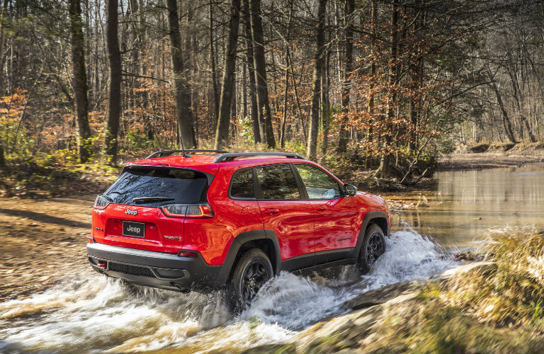 Explore 2019 jeep cherokee powertrain changes feature for Fury motors st paul