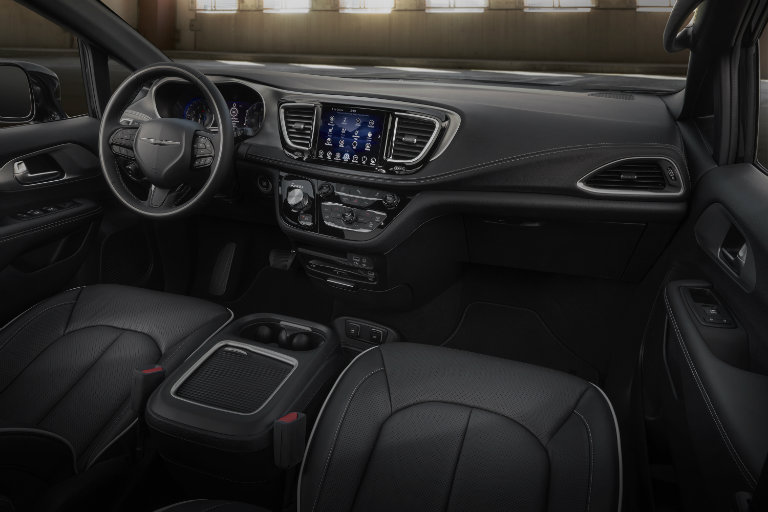2019 Chrysler Pacifica Black Interior O Saint Paul Fury Motors