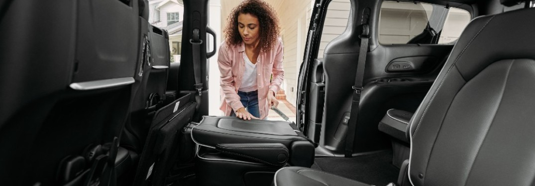 2021 Chrysler Pacifica owner using Stow 'N Go® seating feature