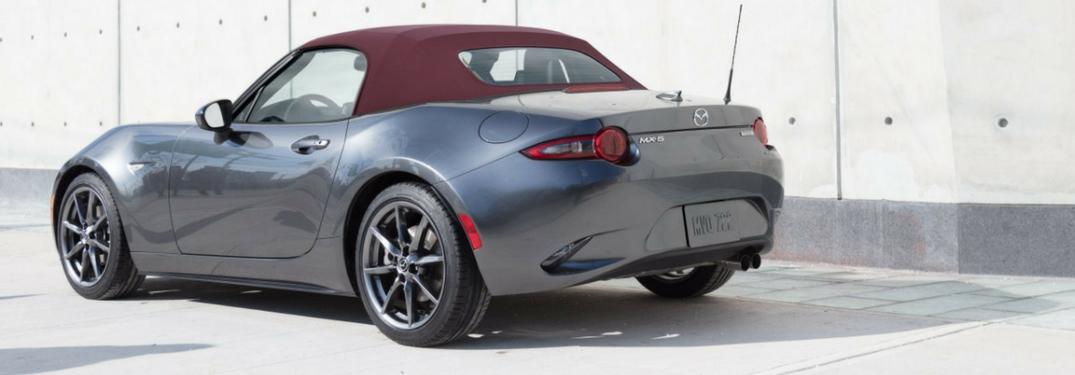 2018 mazda mx-5 miata soft top with burgundy roof