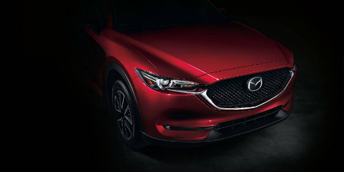 2018 mazda cx-5 close up of front hood