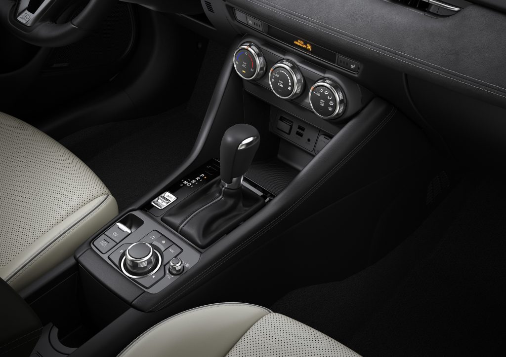 2019 mazda cx-3 controls and dials in dashboard