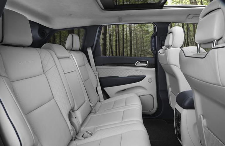Jeep Grand Cherokee Cargo Space >> 2020 Jeep Grand Cherokee Passenger And Cargo Space