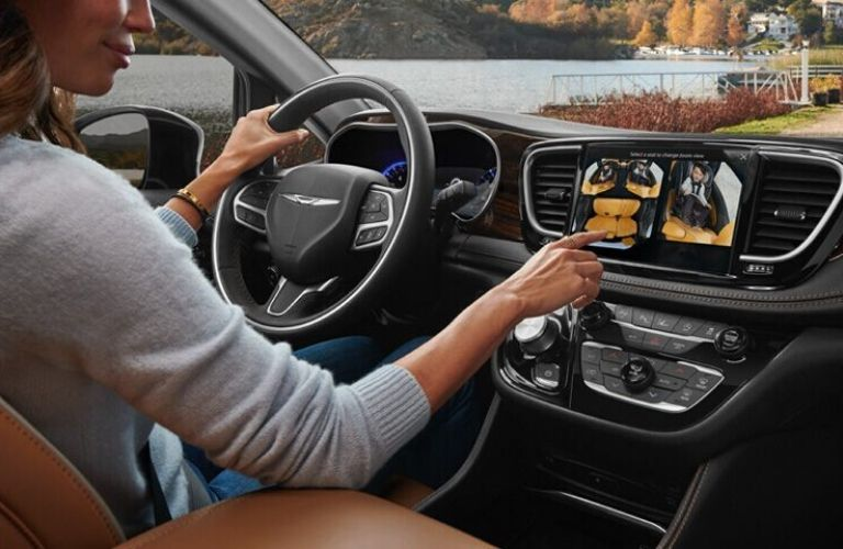 2021 Chrysler Pacifica new Uconnect 5 infotainment system