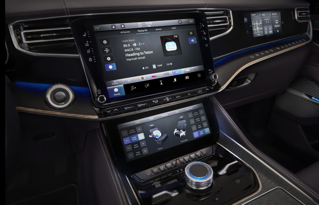 2022 Jeep Grand Wagoneer Concept central touchscreens