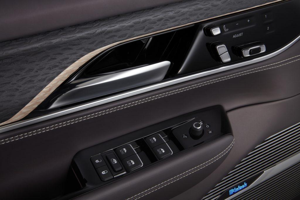 2022 Jeep Grand Wagoneer Concept door trim