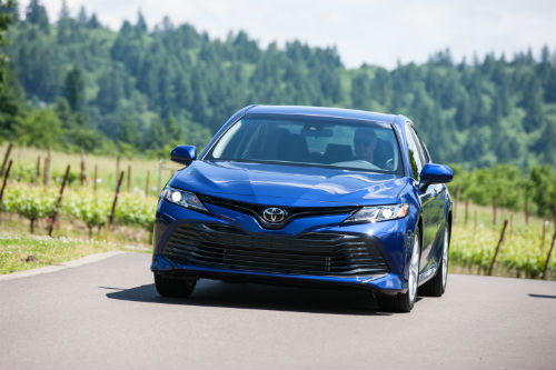 2018 Toyota Camry front fascia