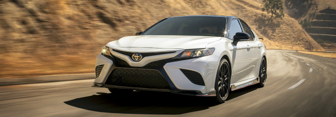 Does the Toyota Camry have blind spot monitoring?