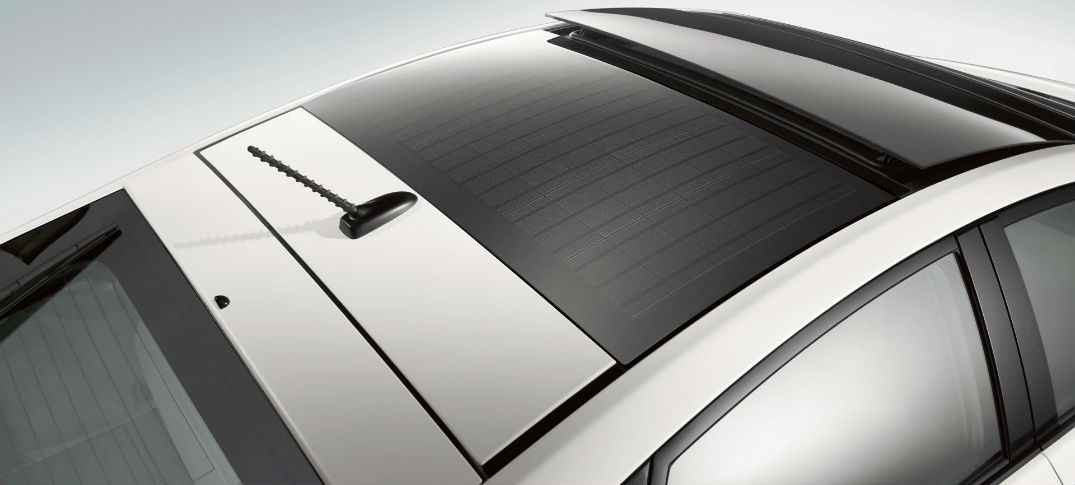 what does the toyota prius solar panel roof feature do rh galetoyota com toyota prius solar panel on roof toyota prius 2010 solar panel