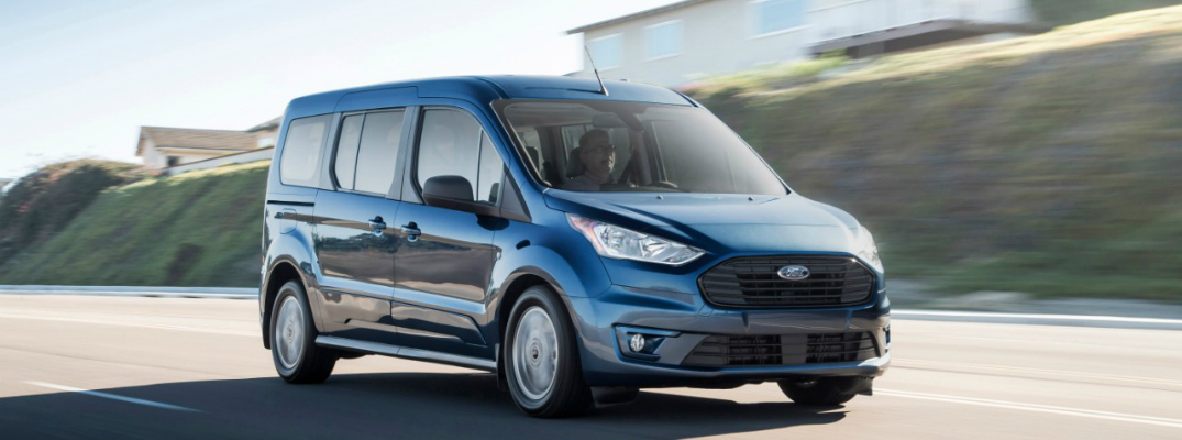 2019 Ford transit Connect Driving