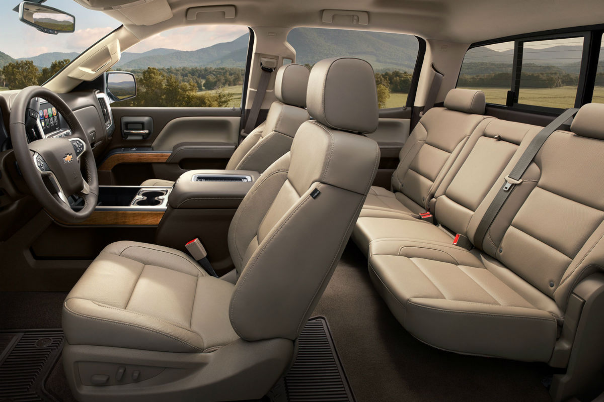 side view of the 2018 chevy silverados interior o von schledorn auto group. Black Bedroom Furniture Sets. Home Design Ideas
