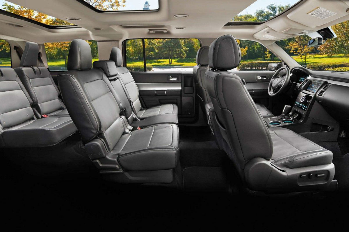 Side view of the three rows of seating in the 2019 Ford Flex