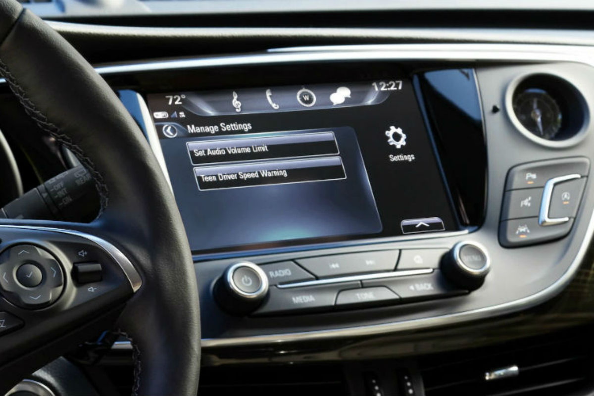 Touchscreen display of the 2019 Buick Envision