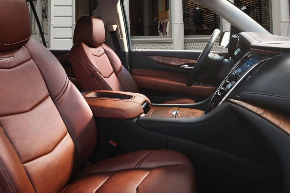 Side view of the front seats in the 2019 Cadillac Escalade