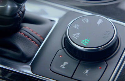 2020 Chevy Blazer interior close up shot of traction select system dial