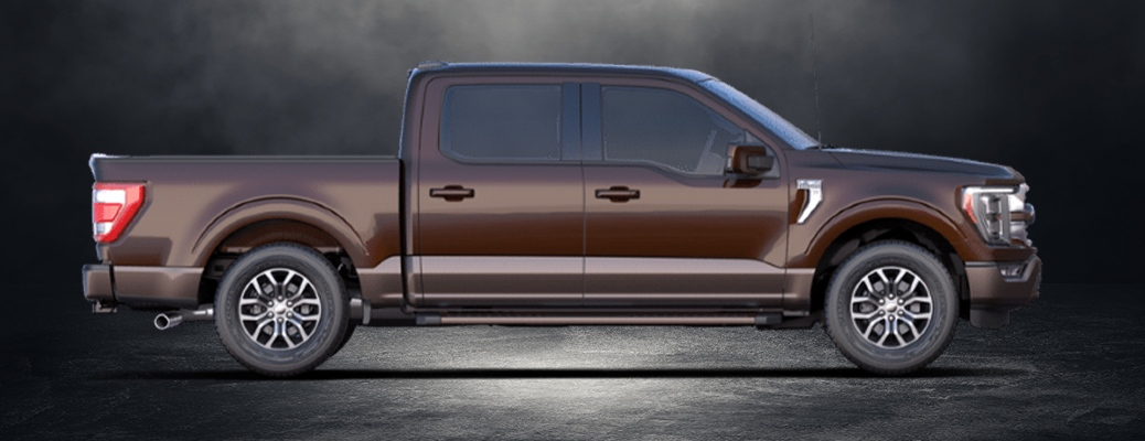 What special features come standard on the 2021 Ford F-150 King Ranch trim?