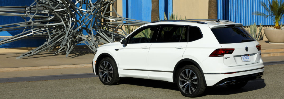 features of the 2018 volkswagen tiguan r line. Black Bedroom Furniture Sets. Home Design Ideas