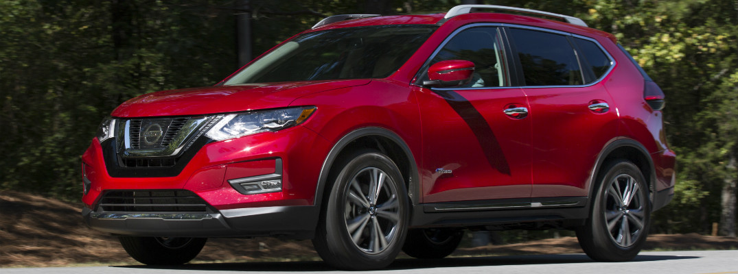 2017 Nissan Rogue Hybrid side view