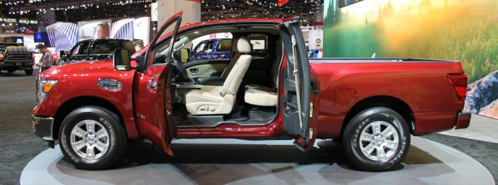 nissan titan king cab debut  chicago auto show
