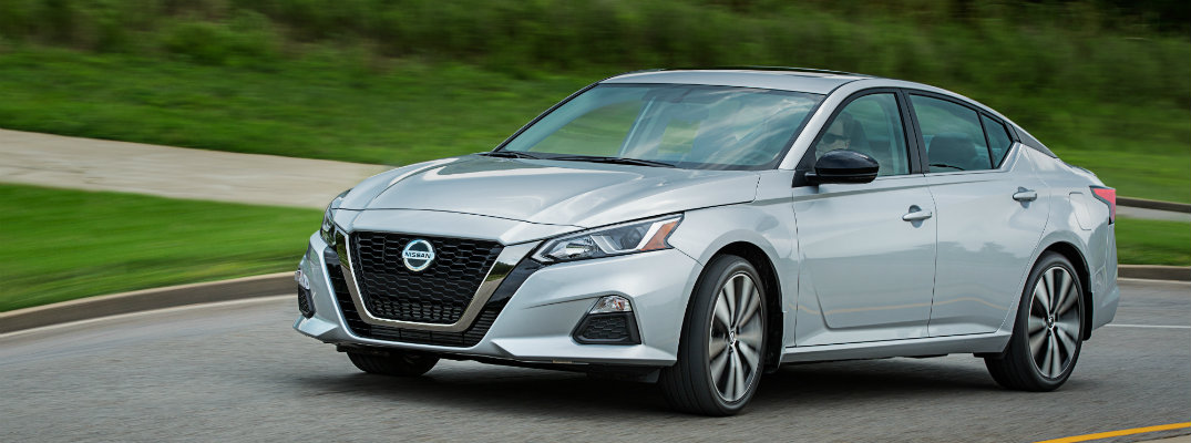 What technology features does the 2019 Nissan Altima have to offer?