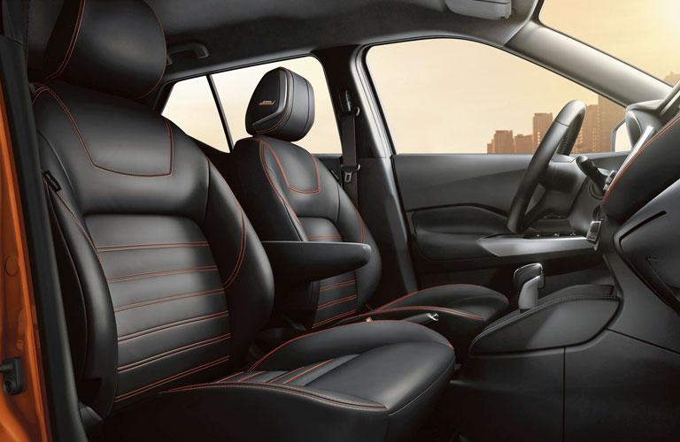 2020 Nissan Kicks front seating